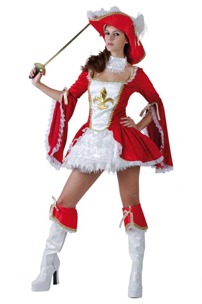 Женское платье в стиле мушкетеров